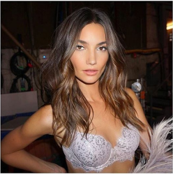 Lily Aldridge share an old picture about VSFashionShow