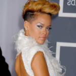 Short hairstyle of Rihanna 02